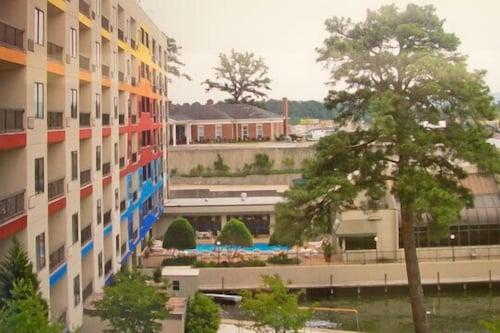 太陽灣渡假村飯店