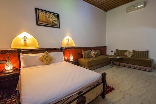 達爾曼蘇拉旅館