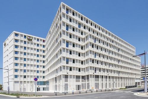 馬賽港民宿飯店