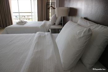 長灘島崖邊之家飯店