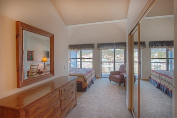 River Mountain Lodge by Vail Resorts - Breckenridge, CO 80424 - Guestroom