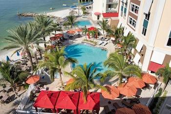 克利爾瓦特海灘希爾頓恒庭套房飯店