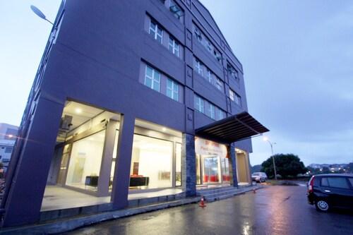 水濱留宿之地商務飯店