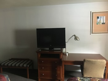 Sunset Inn - West Memphis, AR 72301 - Guestroom