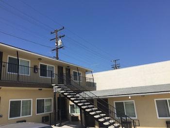 Ace Budget Motel - San Diego, CA 92115 - Property Grounds