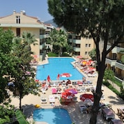 棕櫚花園科斯金俱樂部飯店