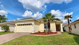 4 Pool Home in Highlands Reserve 4 Br home by RedAwning