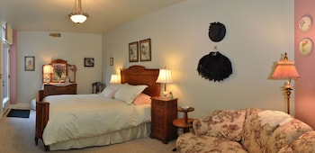Ida-Home Bed and Breakfast - Post Falls, ID 83854 - Featured Image