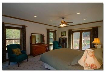 Ida-Home Bed and Breakfast - Post Falls, ID 83854 - Guestroom