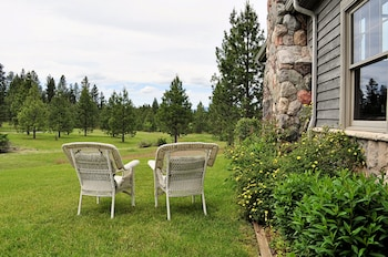 Ida-Home Bed and Breakfast - Post Falls, ID 83854 - Property Grounds