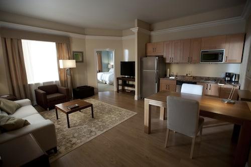 蓋維斯敦希爾頓惠庭套房飯店