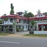 波隆納魯沃旅館