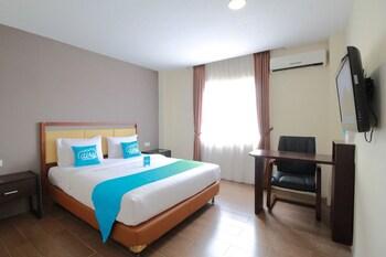 HotelNIDA Rooms Lapangan Medan Petisah at Sulthan Hotel Darussalam