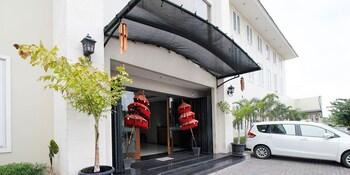 艾里坦格朗班達拉蘇加諾哈達蘇拉達瑪飯店