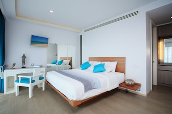 Bluesiam Villa