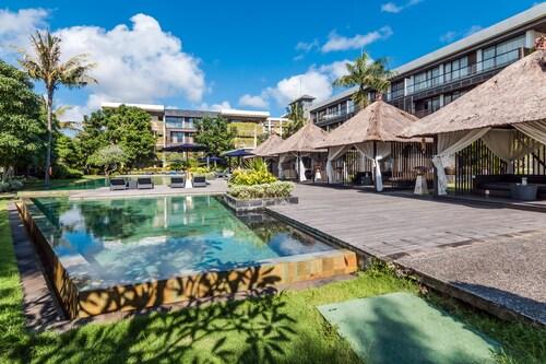 烏魯瓦圖複合式禪房高級飯店