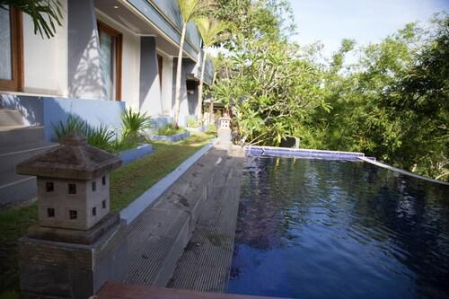 培卡圖芭東海灘禪房飯店