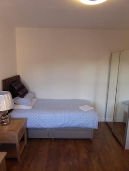 Sunninghill Apartment