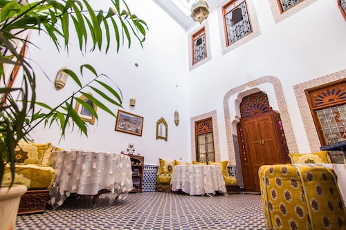 達爾巴布谷伊薩飯店