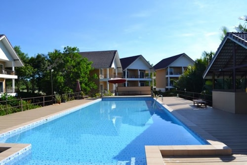 水濱棕櫚渡假村