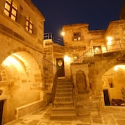 旅行者洞穴宿舍飯店