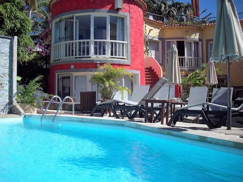 熱情熱帶飯店 - 僅限男同志入住 - 僅限成人入住
