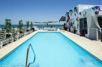 Suites at Congress Ocean Drive - Miami Beach, FL 33132 - Pool