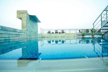 Coventina Lake Suites