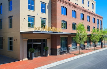 Indigo Group Hotels Near Pentagon Military Base Arlington