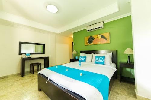 艾里峇里努沙杜阿庫塔瑟拉坦 1 號飯店