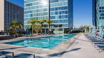 洛杉磯現代 2 房奢華套房飯店