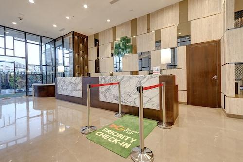 加爾各答機場假日飯店