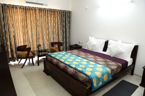 什里塞巴巴薩桑曼達爾飯店