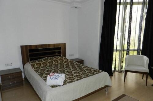 羅扎公寓飯店