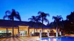 PLEASING 3 Bedroom Holiday home by Follow the sun vacation Rentals