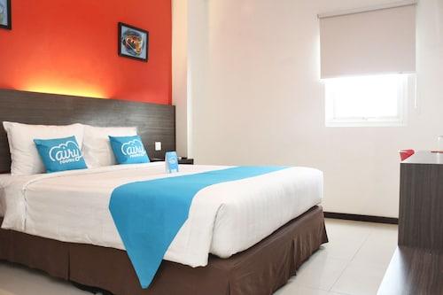 艾里龍目島馬塔蘭阿姆潘南阿迪斯庫佩托 10 號飯店