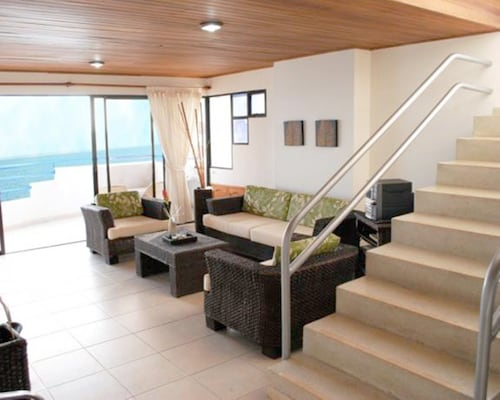 拉基托蔚藍海景公寓飯店