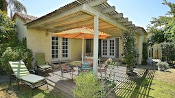 2BR 2BA Palm Desert Patio Home by RedAwning