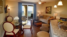 Grand Panama 603 Affordable Luxury One Bedroom Sleeps 6 by RedAwning