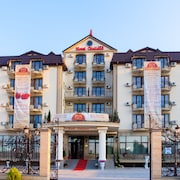 吉里亞諾飯店
