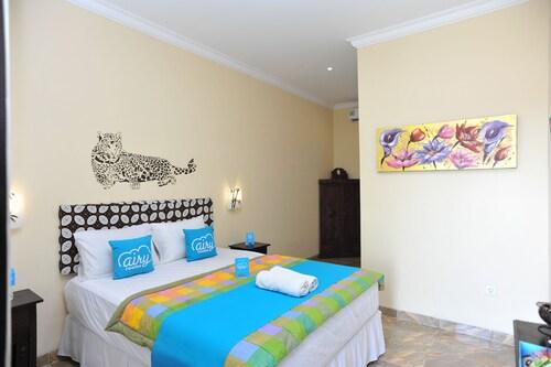 艾里峇里島金巴朗卡由蘇吉 8 號飯店