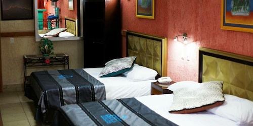 阿祖爾托克撒精品飯店