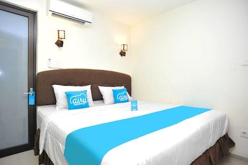 艾里峇里島金巴蘭繞路伍拉賴 81 飯店