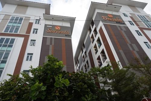 索倫托飯店及公寓