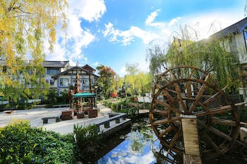 Lijiang Patio Luxury Hotel and Resort