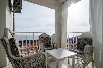 卡美利塔公寓飯店