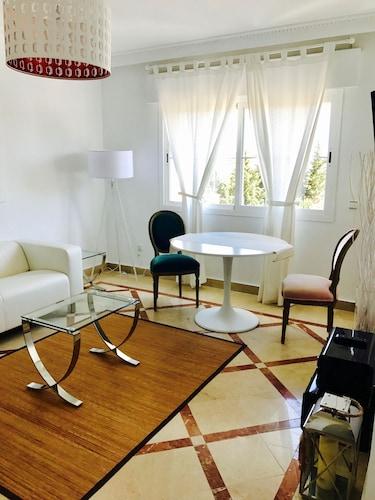 巴努斯港口套房 - 莫洛 44 飯店