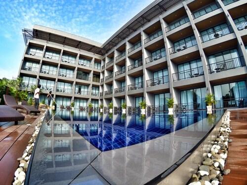 七岩聖瑪麗娜飯店