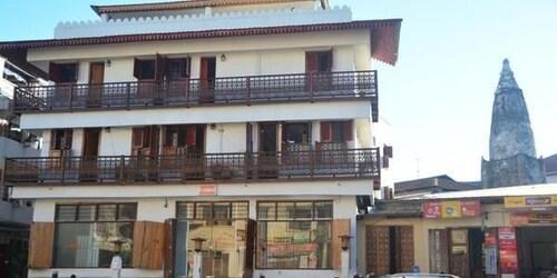 易卡拉桑給巴爾石頭城旅館