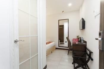 ZEN Rooms Jalan Barat